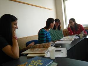 Simulace boje mezi autorem a redaktory o podobu knihy